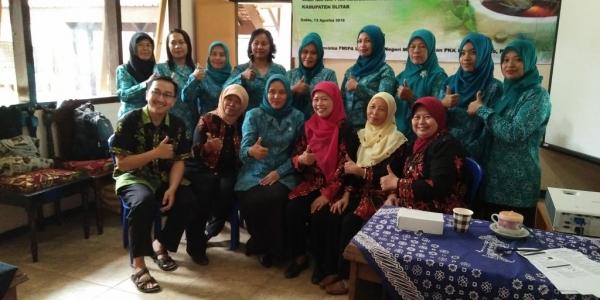 Pelatihan Pendidikan Karakter Hidup Sehat Melalui Pemanfaatan TOGA Potensi Lokal Bagi Ibu-Ibu PKK di Kecamatan Selorejo Kabupaten Blitar